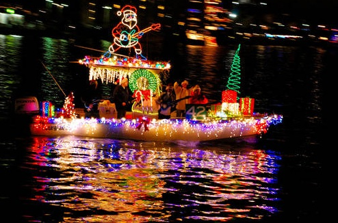 love christmas lights well then charleston sc is the place to be the 2010 holiday parade of boats which takes place in the charleston harbor is set